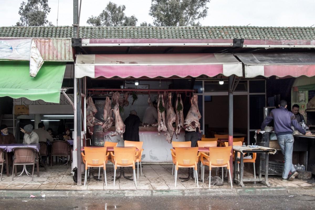 Zdjęcia: gdzieś po drodze, Kenitra, Restauracyjka przy mięsnym, MAROKO