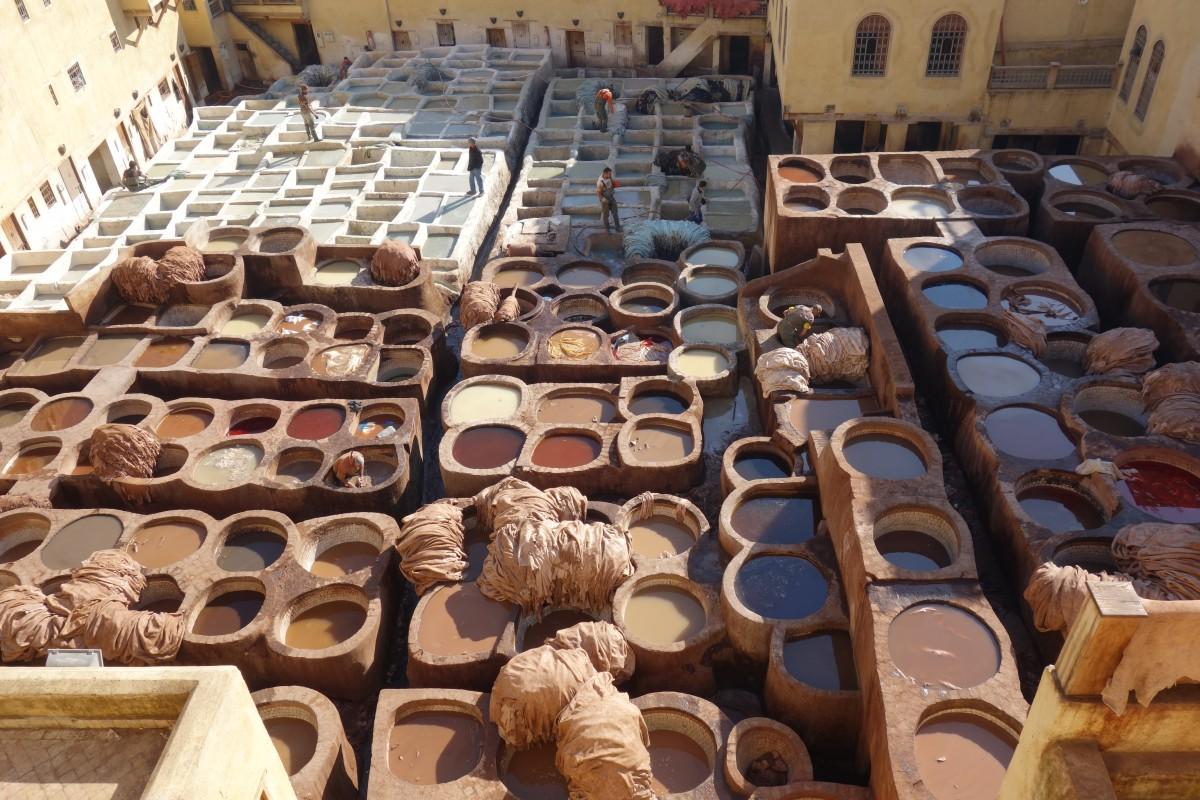 Zdjęcia: Fez, Północne Maroko, Garbiarnia, MAROKO