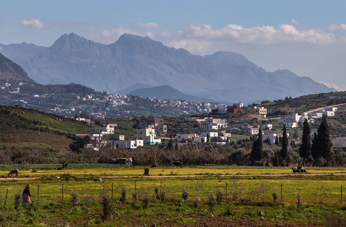 Zdjęcia: gdzieś po drodze, Maroko, Widok na miasto, MAROKO