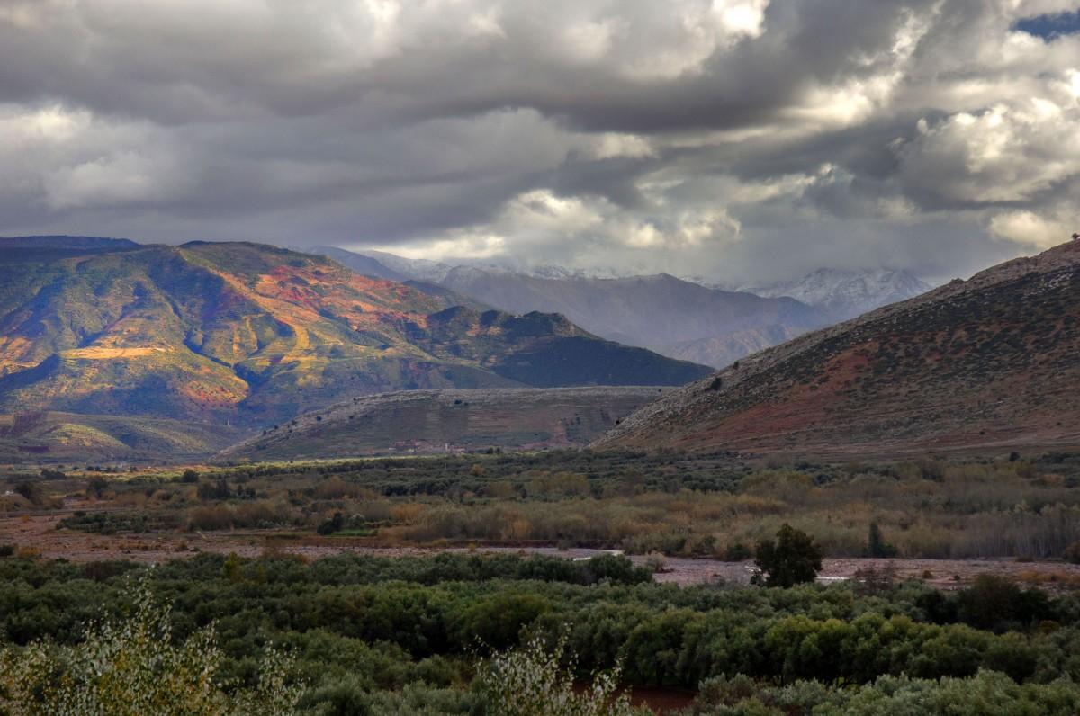 Zdjęcia: gdzieś po drodze, Maroko, Zimowe chmury, MAROKO