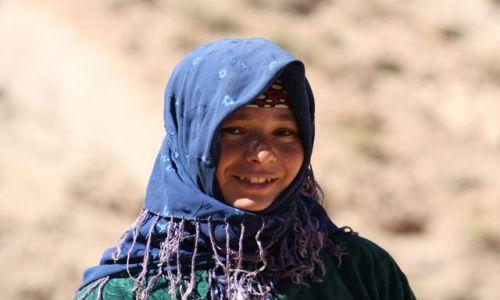 Zdjecie MAROKO / Tinerhir / wąwóz Todra / berberyjskie dziewczę