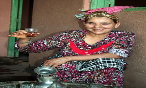 MAROKO / Marakesz / między Marakeszem a Ourika Valley / Polecam herbatę po berbersku ;)
