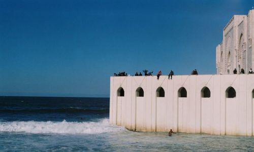 Zdjęcie MAROKO / Casablanca / Meczet Hassana II / Atlantyk przy meczecie Hassana