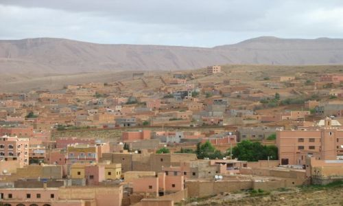 MAROKO / - / Maroko- południe / miastai południowego Maroka, gdzieś w drodze