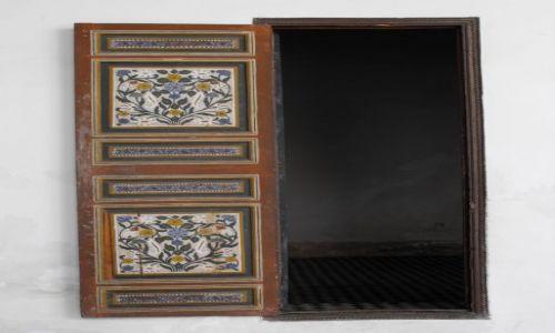 Zdjęcie MAROKO / Marakesz / Medina / drzwi w pałacu Si Saida