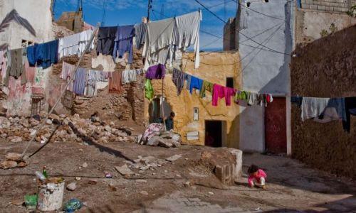 MAROKO / - / gdzieś w Maroku / pranie