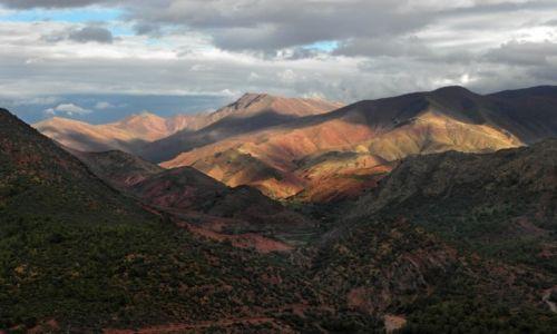 Zdjecie MAROKO / Góry Atlas / Droga z Ouarzazate do Marakeszu / Kolory marokańskich gór