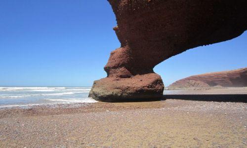 Zdjęcie MAROKO / Tiznit / Legzira / Formacje skalne na marokańskim wybrzeżu