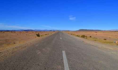 Zdjęcie MAROKO / Errachidia / Gdzieś na bezdrożach / Autostrada do...