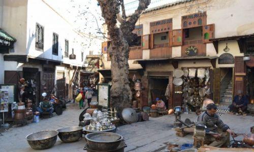 Zdjęcie MAROKO / Fez-Bulman / Fez / Pod leszczyną, pod jaworem, stoi dom kowala...