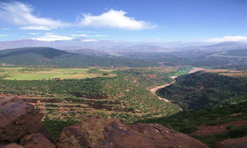Zdjęcie MAROKO / Góry Atlas / W drodze do Marrakeszu / Wzdłuż rzeki
