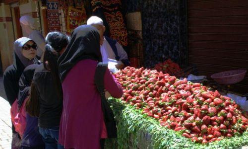 Zdjęcie MAROKO / Ouarzazate / Marrakesz / Truskaweczki