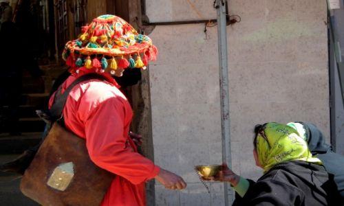 Zdjęcie MAROKO / Meknes / souk / Dostarczyciel wody ;)