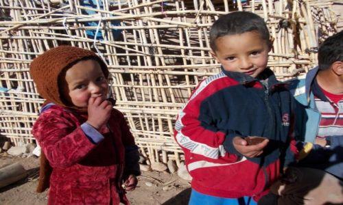 Zdjęcie MAROKO / - / Dolina Różana / Dzieci świata