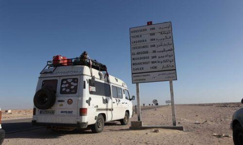 Zdjecie MAROKO / Sahara Zachodnia / Sahara Zachodnia N1 / w drodze do Dakar