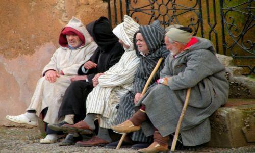 Zdjęcie MAROKO / płn Maroko / Szafszawan / Męskie rozmowy