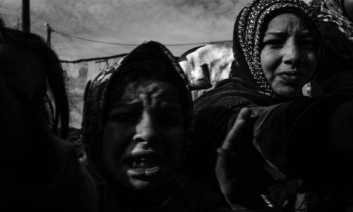 Zdjecie MAROKO / Oued zem / Agoudal / Walka o lizaka fot Remigiusz Latek