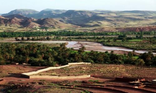 Zdjęcie MAROKO / Atlas / Quarzazate  / Nad rzeką