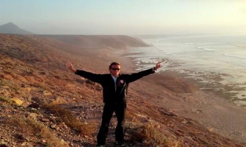 Zdjęcie MAROKO / Góry Atlas / Góry Atlas / Bazludne majestatyczne klify Afryki Zachodniej