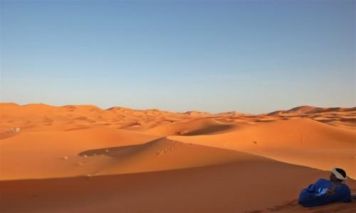 Zdjecie MAROKO / pustynia w płd.-wsch. części kraju / Erg Chebbi / Imazeghen (woln