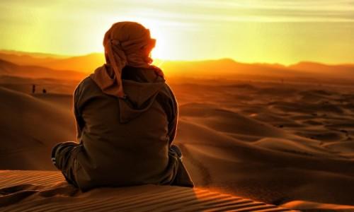 Zdjecie MAROKO / Sahara / Sahara / W promieniach