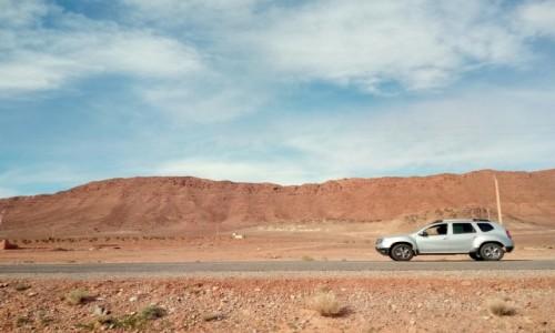 Zdjęcie MAROKO / Maroko wschodnie / Maroko / Afryka, ostatnie drogi to pierwsze miejsca magiczne i nieznane
