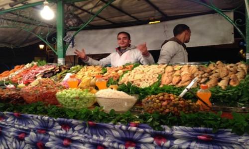 Zdjęcie MAROKO / Marakesz  / El Jamal / Marokańskie party