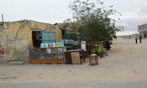 Zdjęcie MAROKO / Maroko / Tarfaya / Sklepik wielobranżowy