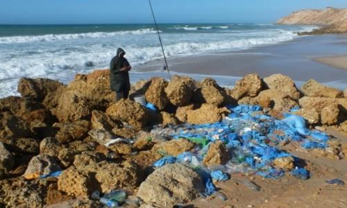 Zdjęcie MAROKO / Sahara Zachodnia / Ocean Atlantycki / Wędkarz