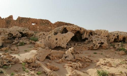 Zdjęcie MAROKO / Sahara Zachodnia / Sahara / Ruiny fortu