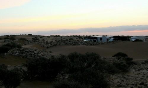 Zdjęcie MAROKO / Sahara Zachodnia / Sahara / Poranek w starym forcie