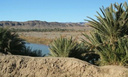 Zdjęcie MAROKO / Maroko / Dolina Dades / Płynie woda