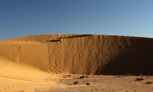 Zdjecie MAROKO / Sahara Zachodnia / gdzieś w piaskach pustyni / W górę