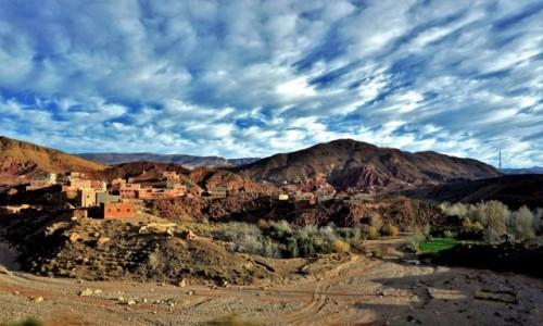 Zdjecie MAROKO / południowe podnóże Atlasu Wysokiego / okolice Thingir / Kolory Maroka