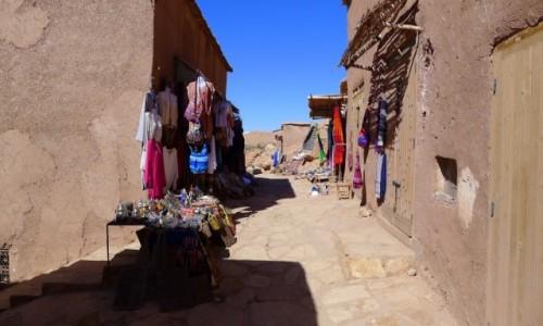 Zdjecie MAROKO / Południowe  Maroko  / Ksar Ait-Ben-Haddou  / Mały kramik