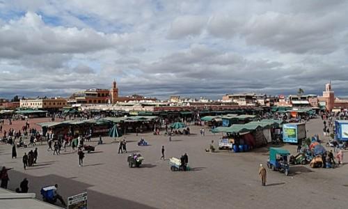 MAROKO / Marrakesz-Safi / Plac Jemaa El Fna / Serce Marrakeszu