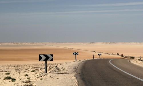 Zdjecie MAROKO / Sahara Zachodnia / kilka kilometrów przed Dakhlą / Droga do Dakhli
