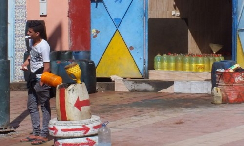 MAROKO / Sahara Zachodnia / gdzieś po drodze / Sprzedaż paliw