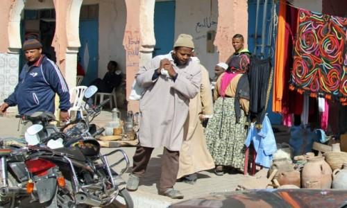 Zdjecie MAROKO / Sahara Zachodnia / gdzieś po drodze / Gwar ulicy
