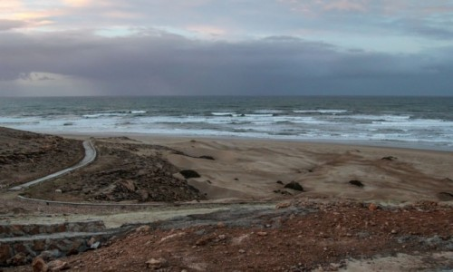 Zdjecie MAROKO / Tan Tan / Oued Draa / W stronę oceanu