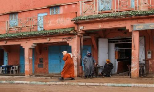 MAROKO / Maroko / gdzieś po drodze / Słodka herbatka w deszczowy dzień