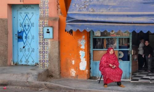 Zdjecie MAROKO / Maroko / gdzieś po drodze / Pod sklepikiem