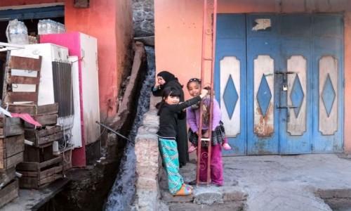 MAROKO / Maroko / gdzieś po drodze / Gdzie strumyk płynie z wolna
