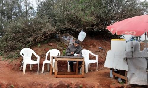 Zdjecie MAROKO / Maroko / gdzieś po drodze / Śniadanie przy drodze