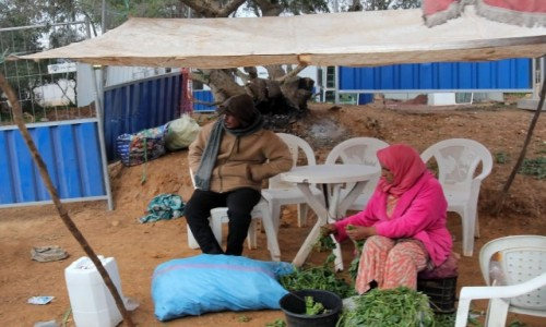 MAROKO / Maroko / gdzieś po drodze / Handel przy drodze