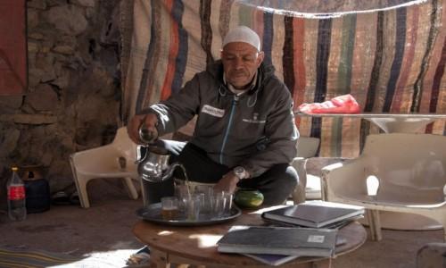 MAROKO / Maroko / Les cascades de Tizgui / Pora na herbatkę