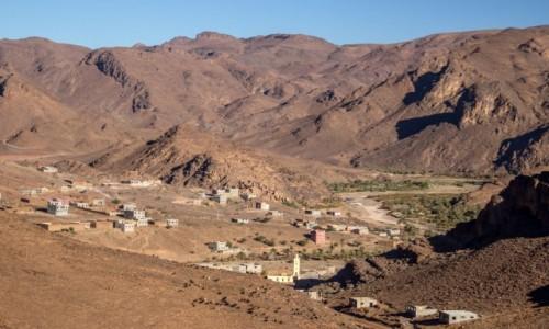 MAROKO / Maroko / Les cascades de Tizgui / Wioska