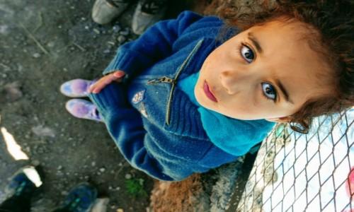 Zdjecie MAROKO / Atlas Wysoki / Sidi Chamharouch / marokańska dziewczynka