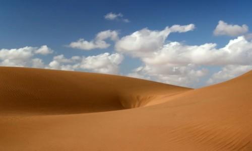 Zdjęcie MAROKO / Sahara Zachodnia / piaski pustyni / Pustynia wciąga