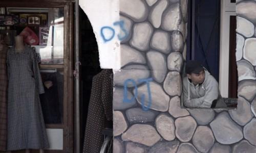 Zdjęcie MAROKO / Dara-Tafilalt / gdzieś po drodze / Panienka z okienka